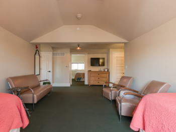 Lodge-Private Bathroom-Family-Balcony-Room 09 - Base Rate