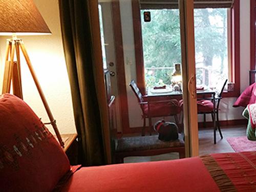 Bears Den-Suite-Triple room-Private Bathroom-Ocean View