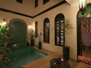 Suite Junior-Supérieure-Salle de bain Privée-Patio-bassin privé