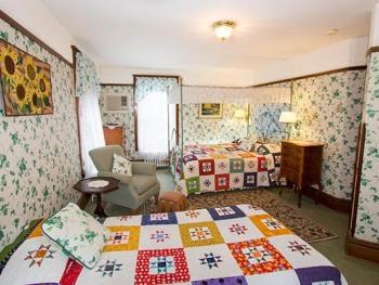 Room 2-Triple room-Ensuite with Shower-Premium