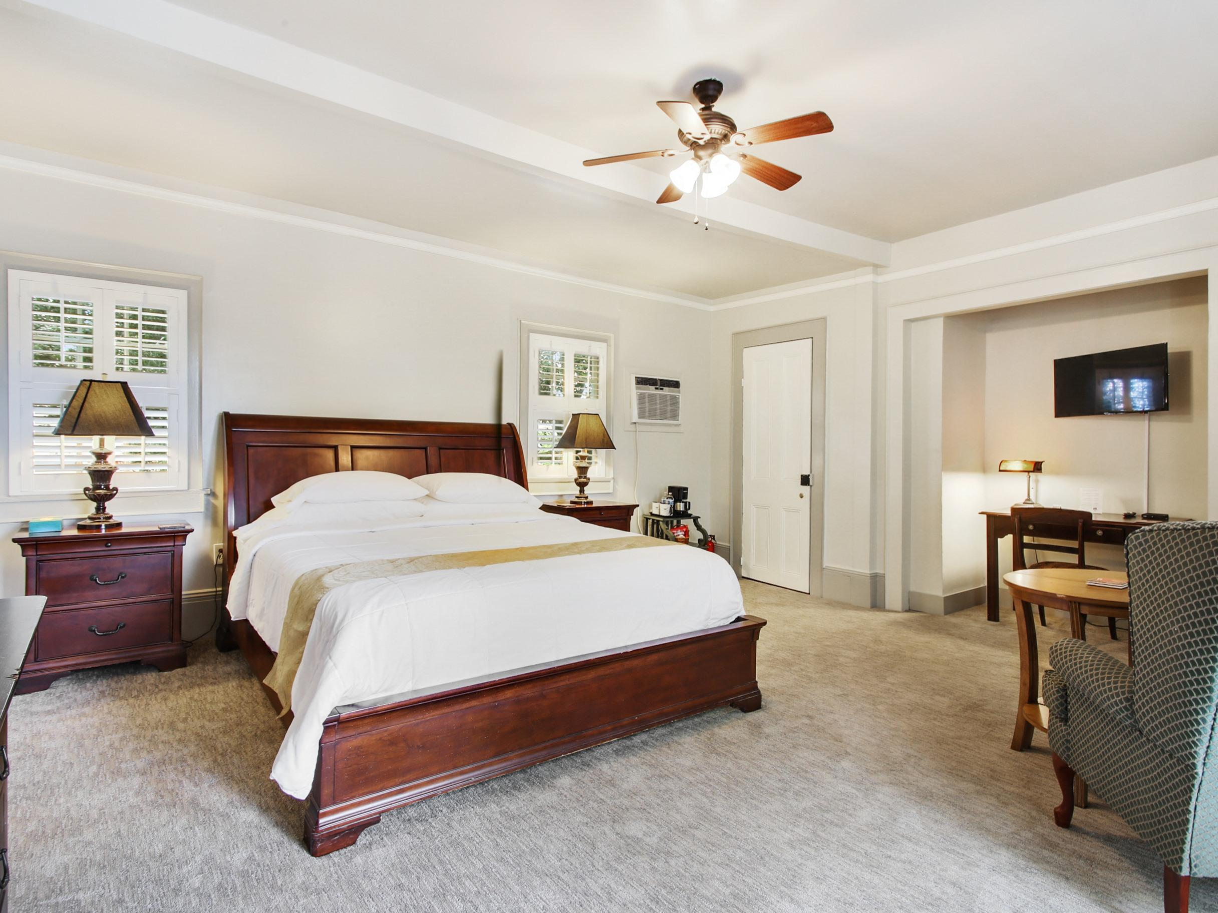 3. The Chartres-King-Ensuite-Deluxe