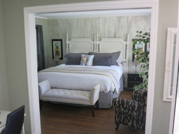 Garden Suite 1 - King Bed