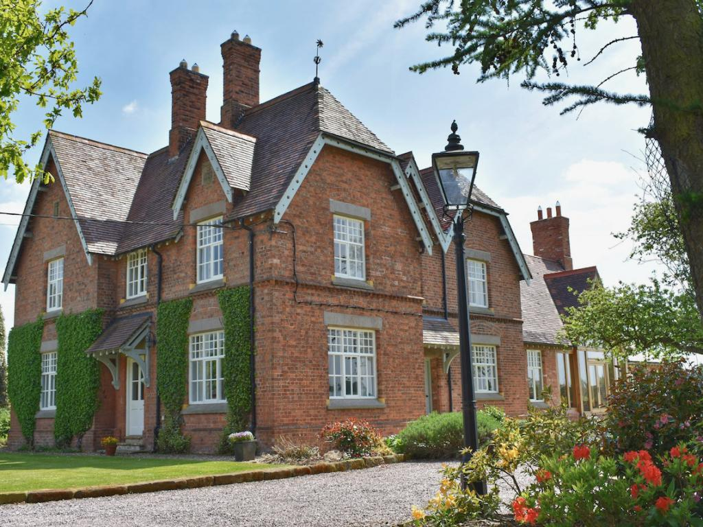 New Hall Farm Bed And Breakfast, Tarporley | Homepage