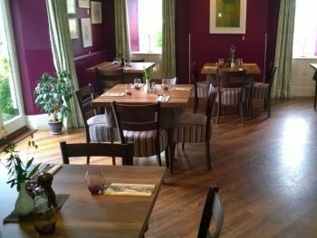Elegant, contemporary dining room