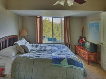 The Suite Bedroom with mountain view