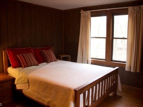 Cabin in the Glen Bedroom