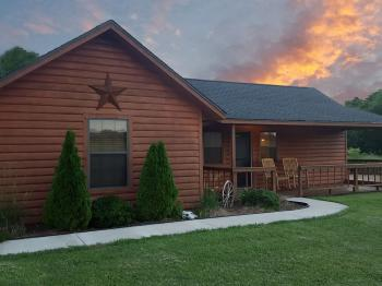 Log Cabin-Comfort-Shared Bathroom-Countryside view-Star Valley