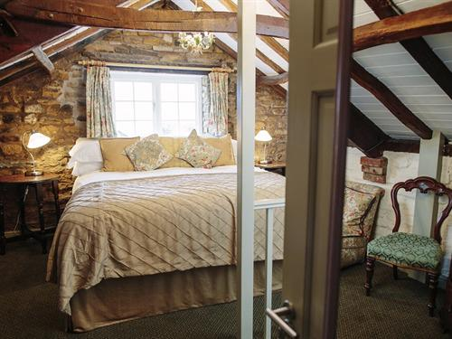 Double room-Ensuite with Shower-Super King Field  - Base Rate