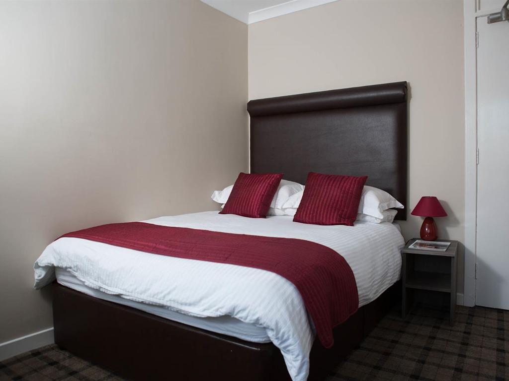 Double-Deluxe-Ensuite - Breakfast Included (Double Occupancy)