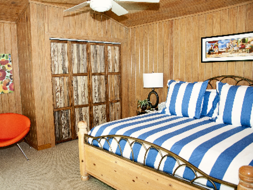 The Poolside Cabana