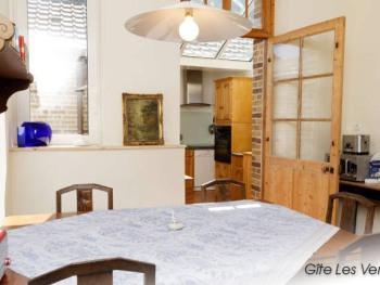 La Villa Vert Bois : la salle à manger.
