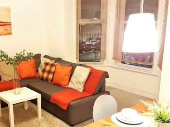 St Catherine's Apartment - Comfortable lounge with sofa bed