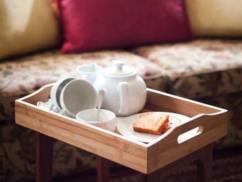 Warm welcome with tea & cake