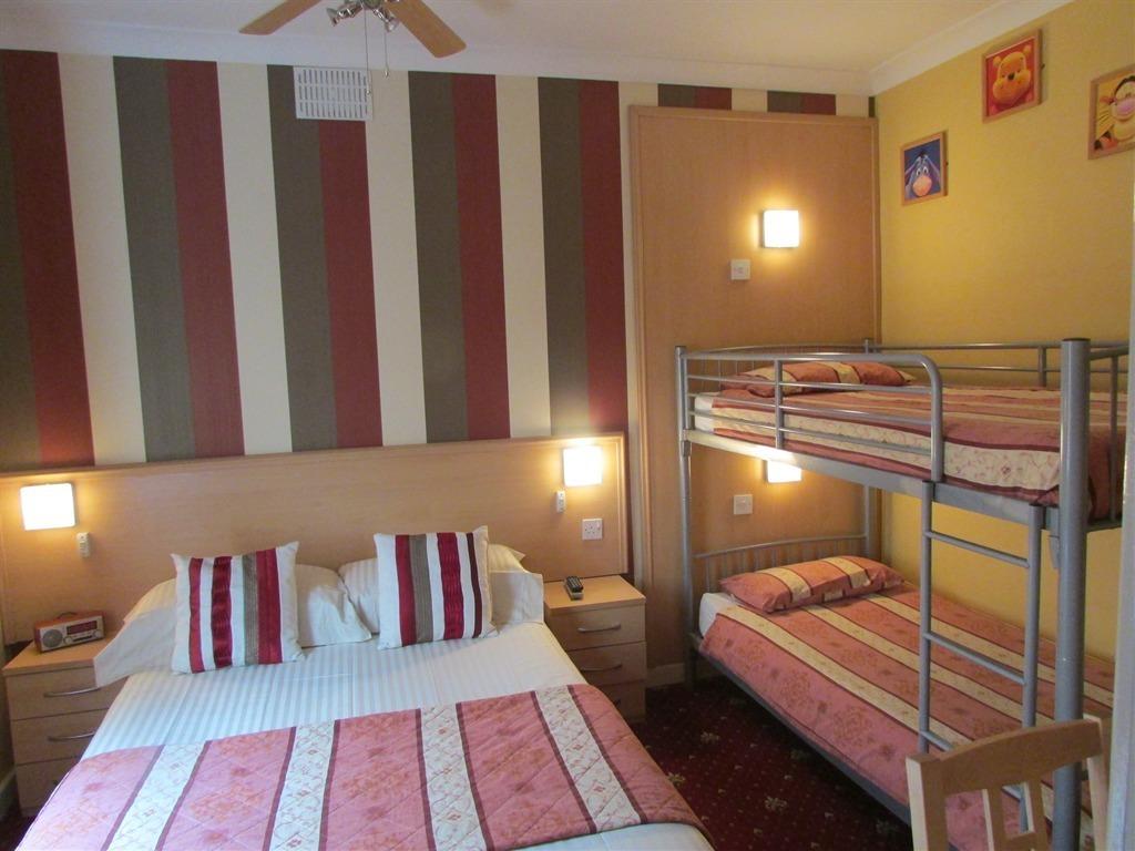 Family room-Ensuite-Sleeps 4 - Base Rate