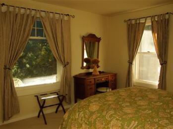 Quad room-Ensuite-Standard-Suite 2 - Base Rate