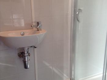 Double or Twin-Ensuite with Shower