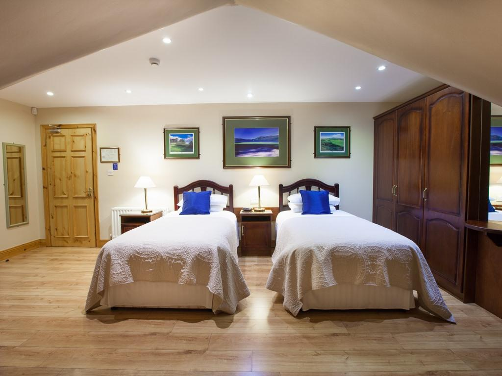 Twin-Deluxe-Ensuite with Bath-Sea View-Golf Course view - Room 4