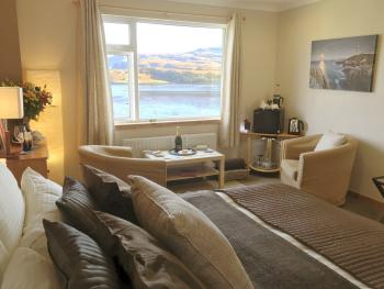 Superior Super-King Double room with sea view