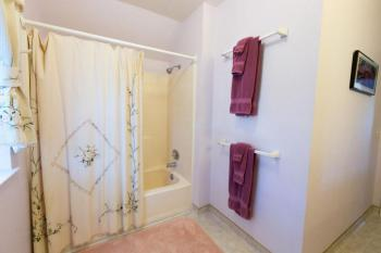 Blossom Room Bathroom