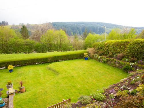 Llwyn Onn Guest House Garden and View