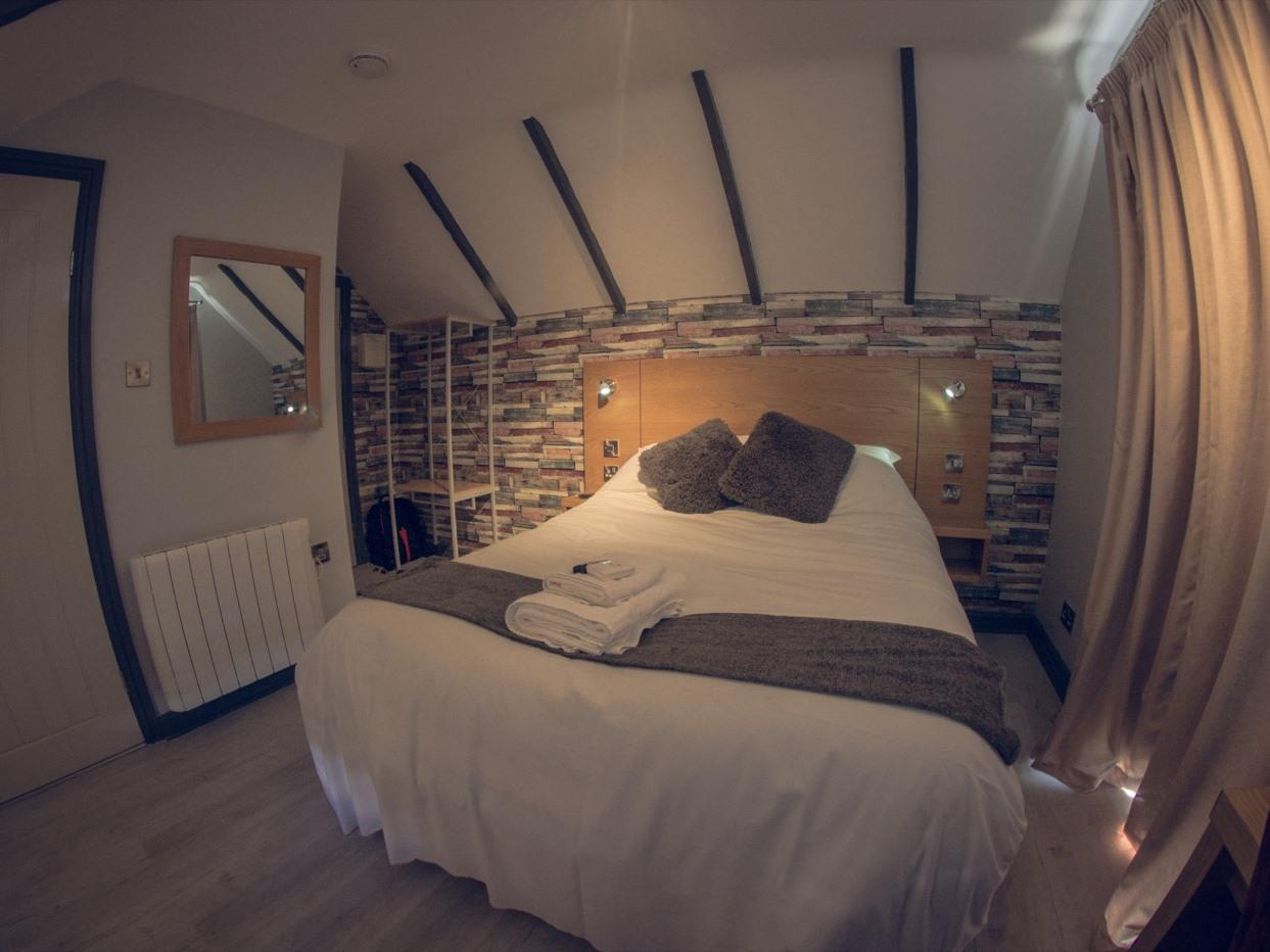 Double room-Premium-Ensuite with Shower-Garden View