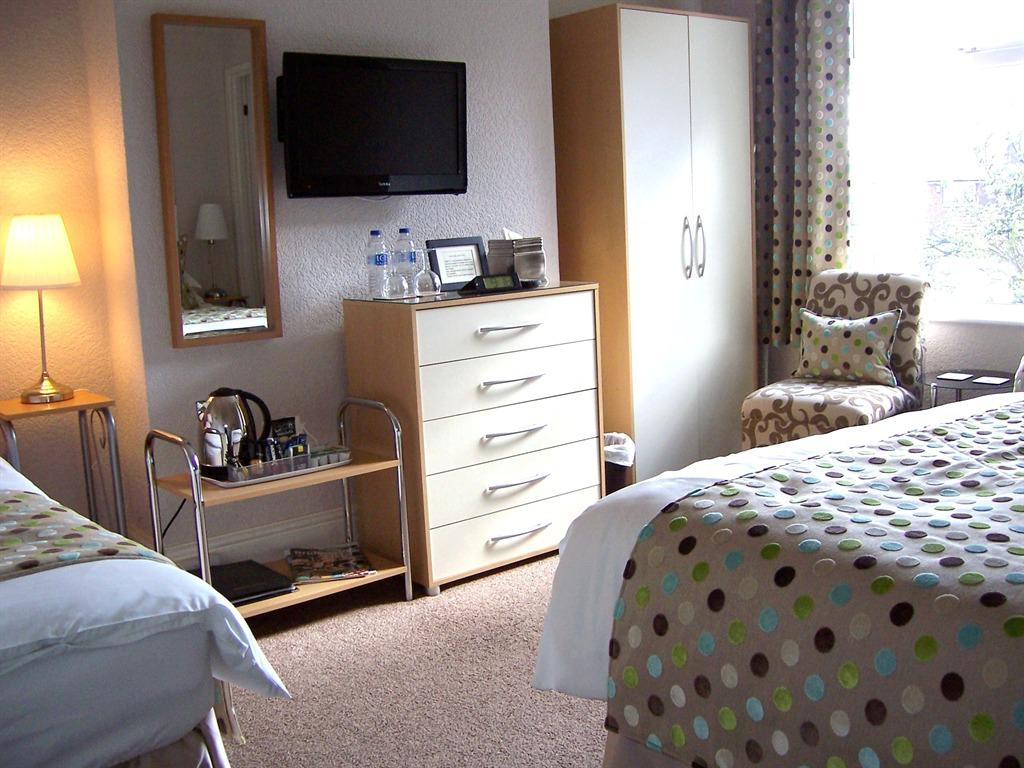 Family room-Ensuite with Shower-2 Adults & 1 Child