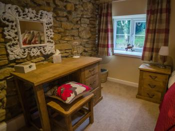 Dressing table in Poppy Cottage