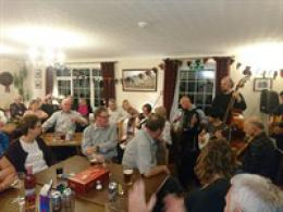BOTHY NICHT AT THE STRUAN INN RAISES £620 FOR TAYSIDE MOUNTAIN RESCUE