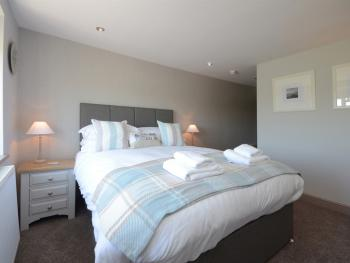Double room-Standard-Ensuite with Bath-Street View