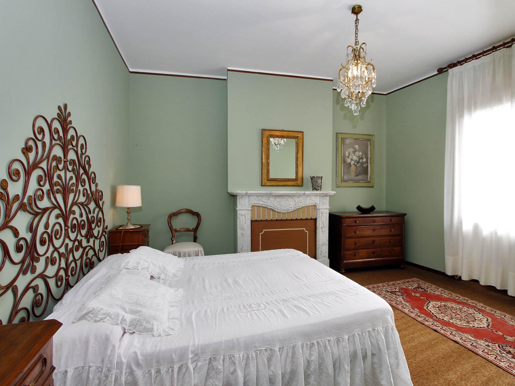 Matrimoniale-Bagno in camera con doccia