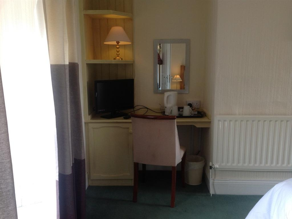 Double room-Standard-Ensuite with Shower-Garden View