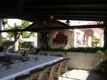 Terrasse couverte et four à Pizza