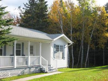 3 Bedroom Deluxe cottage with Hot Tub