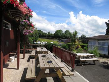 Carrybridge Lakeside Lodge - Picnic Area