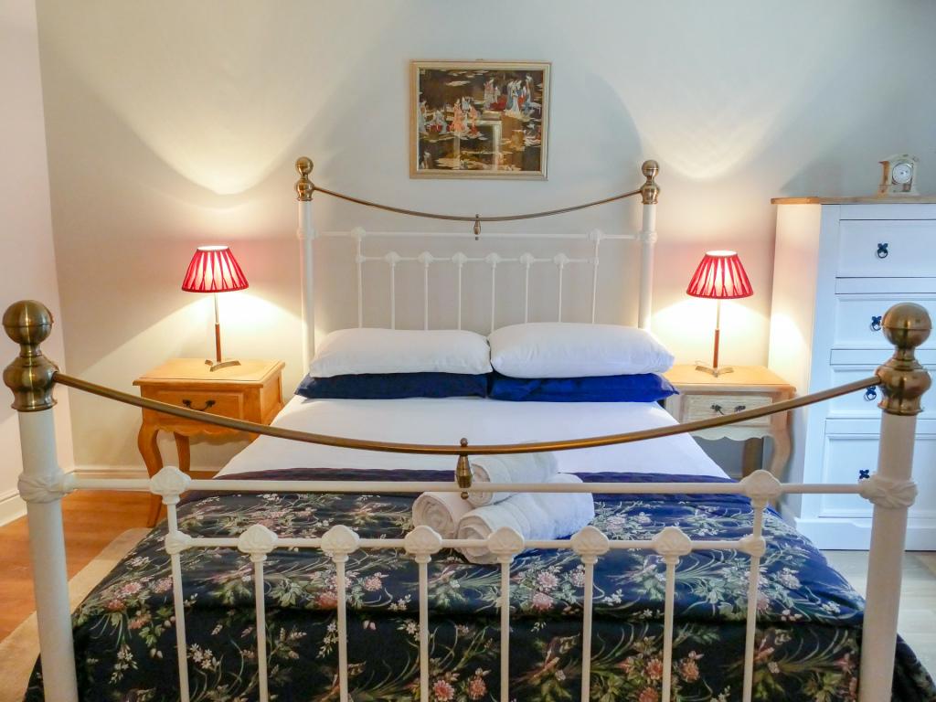Main Double Bedroom 1