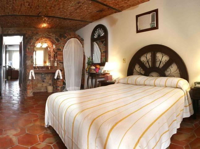 2 Bedroom Deluxe Room
