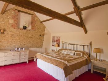 Room 1 Luxury room with SuperKing bed, en-suite bath and shower
