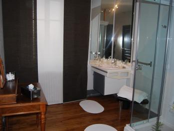 Ambroise 2 : la salle de douche