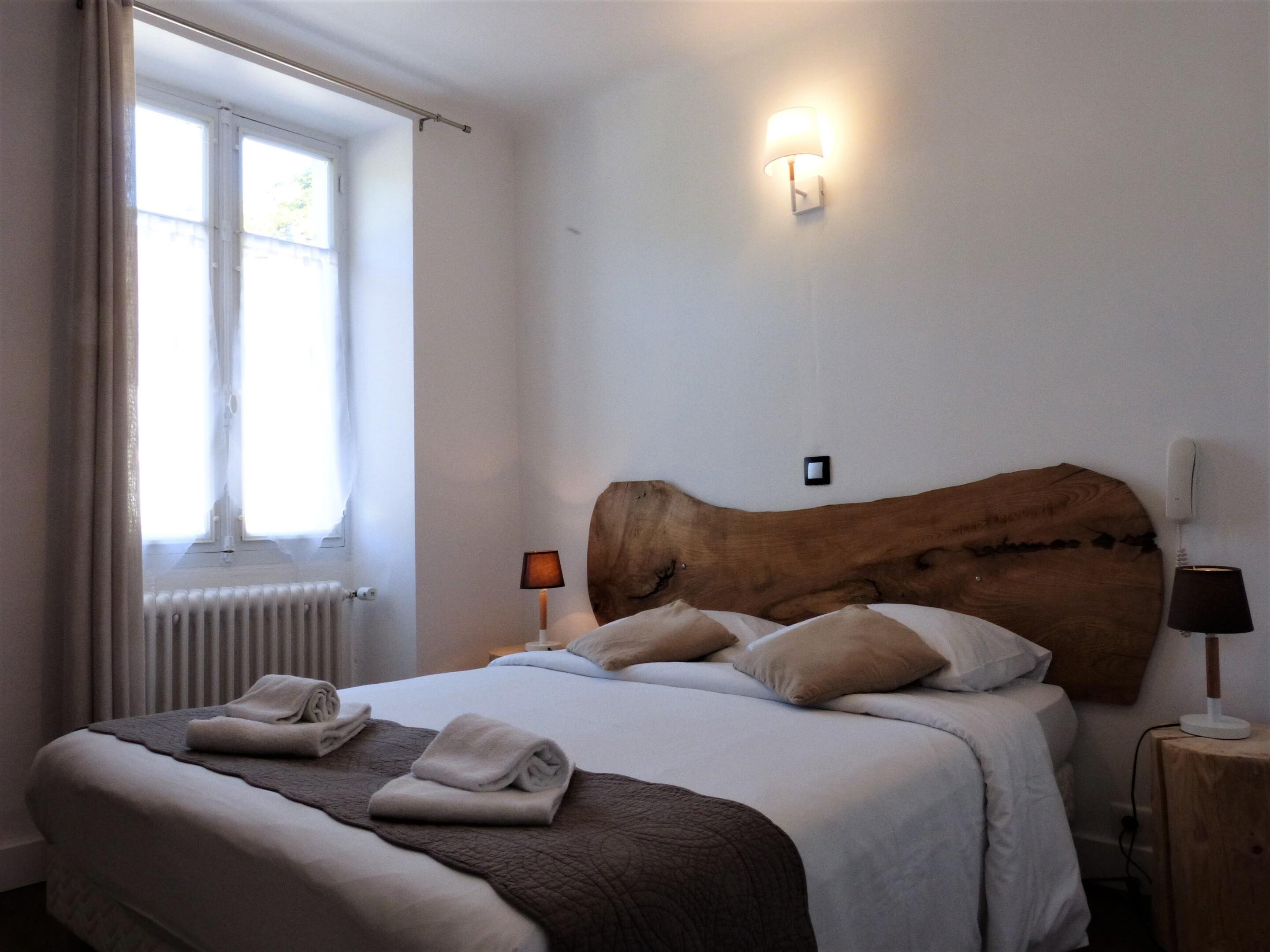 Double-Economie-Salle de bain et douche-Vue village