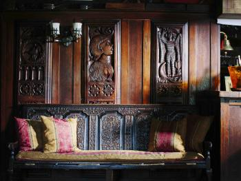 Panelling in the Top Bar