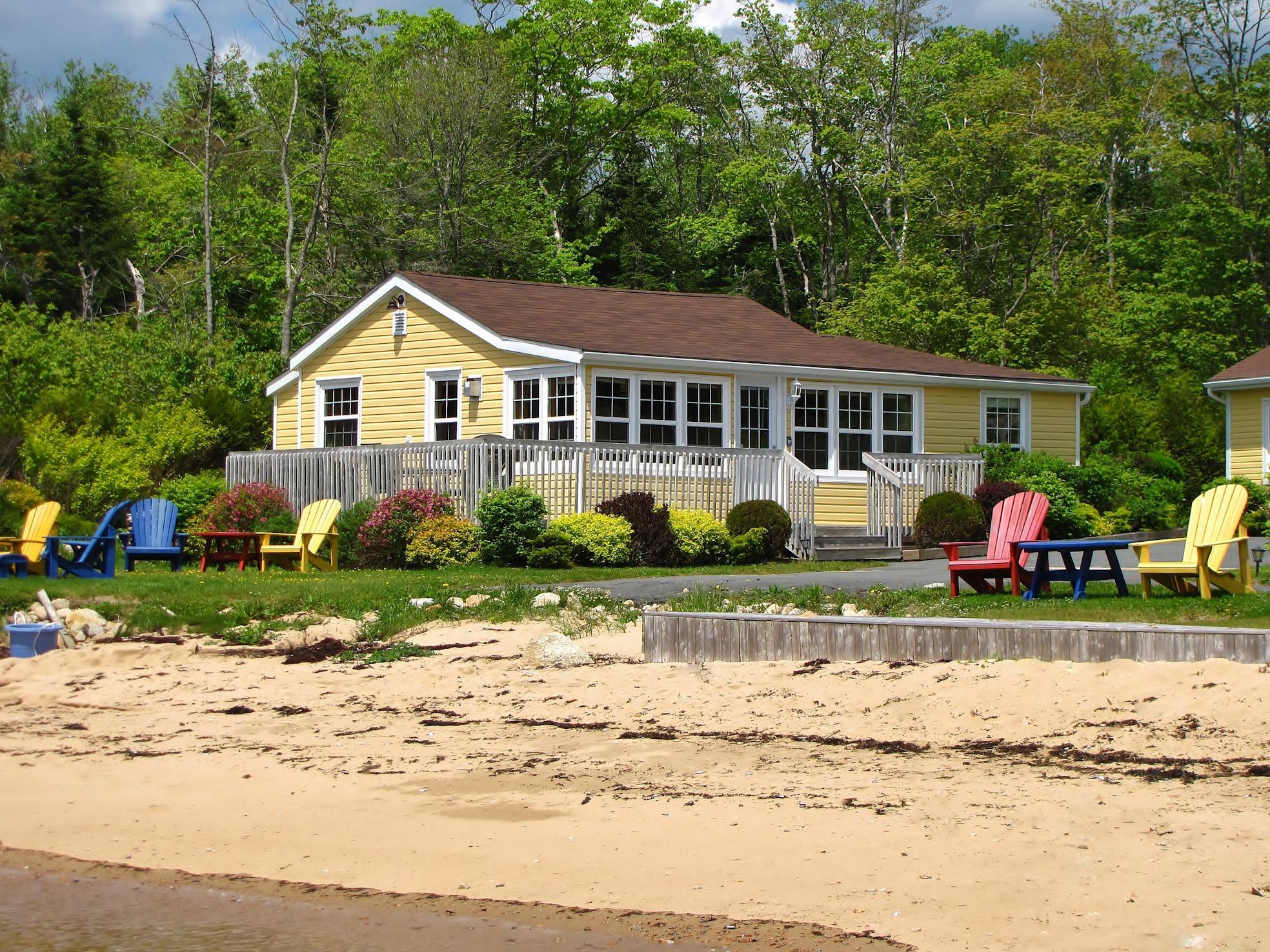 #4, Baldmoney's Boathouse-Luxury-Ocean View-Cottage-Private Bathroom