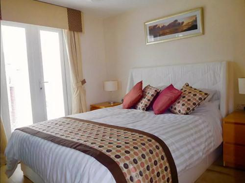 Chalet-Private Bathroom-Sea View-Surfside Chalet