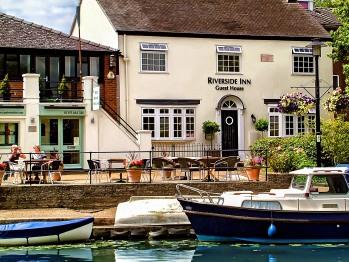 Riverside Inn -