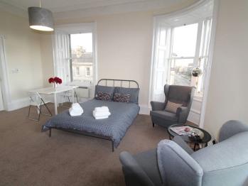 Stunning Braemore Studio Apartment - West End - Studio apartment/sleeping area