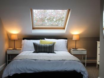 Pure Serviced Accommodation - Double Delux Room - Ensuite with Shower - Garden/Street View