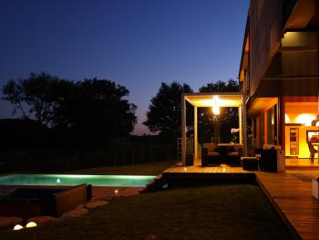 Villa Lascaux à la nuit tombante