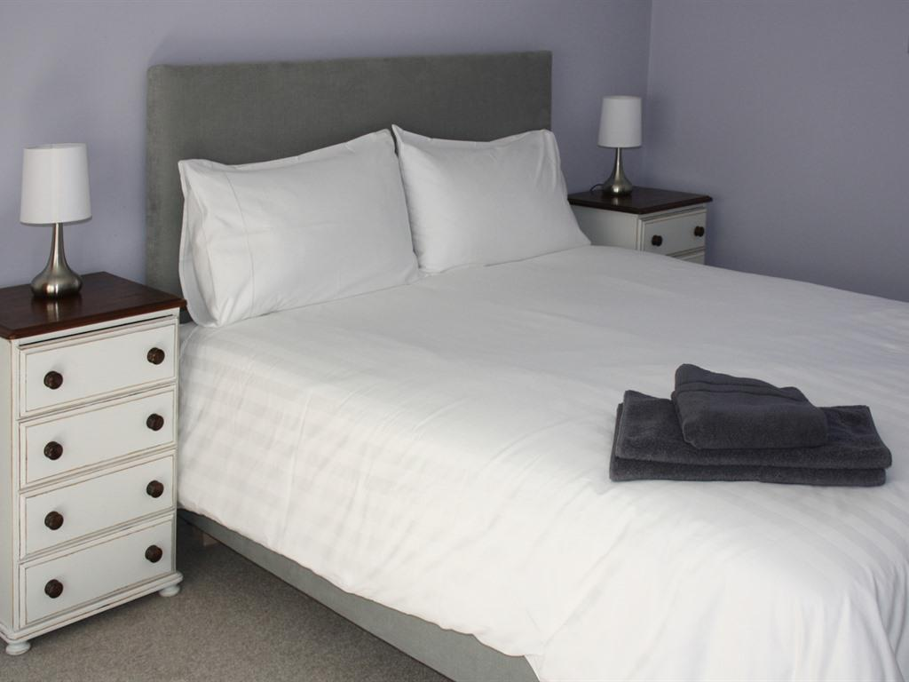 Room 10 - 2 bedroom-Apartment-Private Bathroom - Base Rate