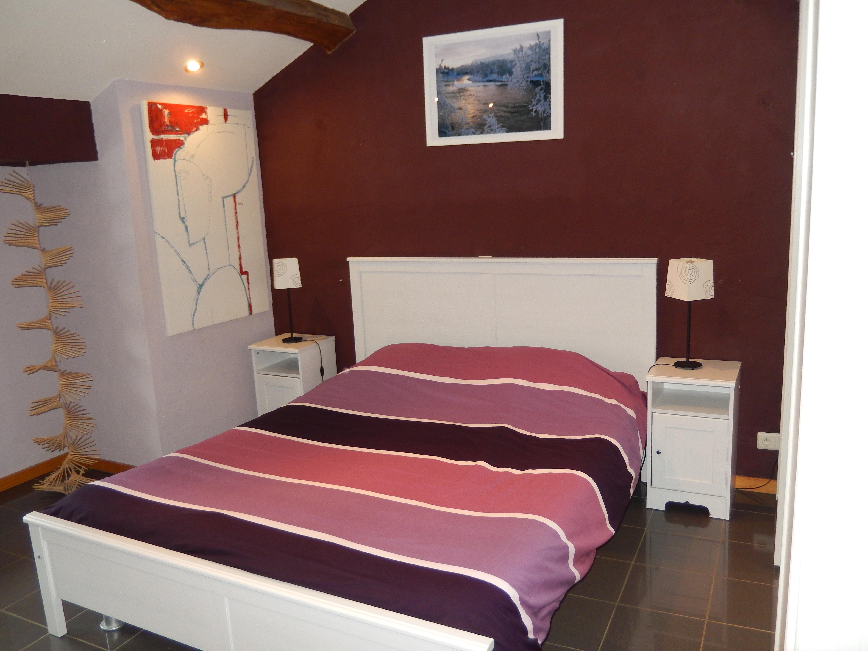 """Double-Confort-Salle de bain et douche-Vue sur Jardin-""""Les rouges-Gorges"""""""