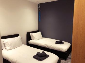 Twin room-Superior-Shared Bathroom