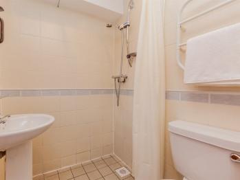 Double en suite shower, toilet, wet room